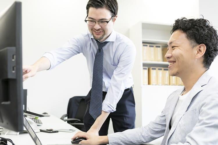 研修コンサルティング及び海外⼈材紹介事業